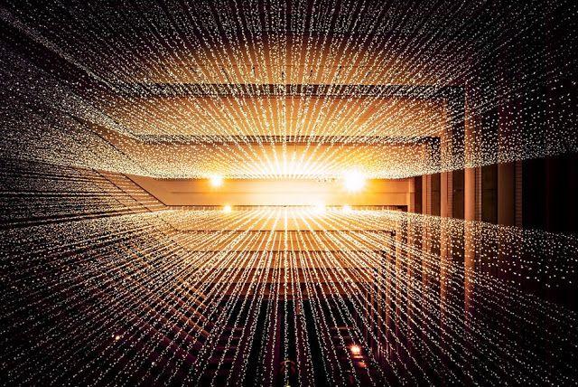 Μάνος Δανέζης:  Όταν ο διεθνής επιστημονικός κόσμος μελετάει την δυνατότητα ο ανθρώπινος εγκέφαλος να λειτουργει σε πολλές διαστάσεις , ε...