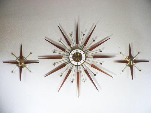 Vintage MCM Elgin Starburst Atomic Wall Clock with Matching Pair of Sconces