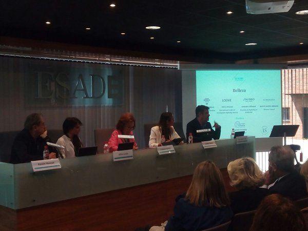 I COngreso del Lujo Internacional en ESADE, Genoxage en la mesa redonda con Carmen Navarro, Ramón Monegal, Loewe y Shiseido