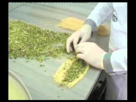 Hazır Yufkadan Kuru Burma Baklava - Kekevi Tatlı Tarifleri - YouTube