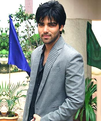 Telly actor Kinshuk Mahajan says marriage has settled him for good!