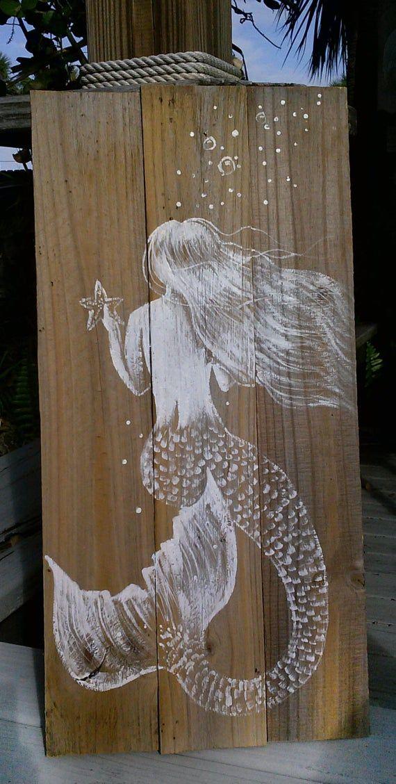 Signe de l'art de la sirène – peinture de la sirène – peinture de la sirène – bois récupéré – peinture du piquet de clôture – peinture de la sirène rustique – art de la maison sur la plage