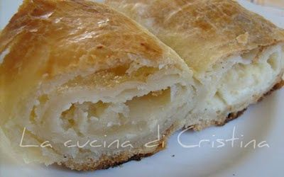Burek con formaggio salato - Burek cu brinza sarata