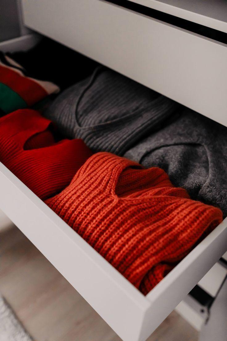 Kleiderschrank ausmisten und richtig einräumen mit System