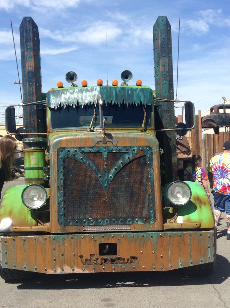 If you go to Las Vegas Nevada check out welderup this is the front view of the sweet semi truck rat rod it is a costum truck its sweet