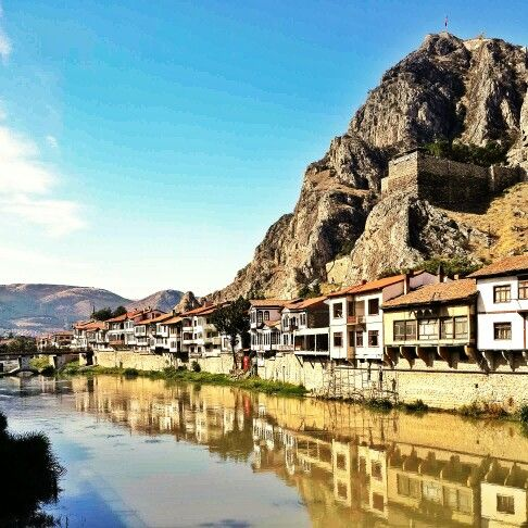 Not #istanbul but #Amasya #Yeşilırmak #history #historical #place #ırmak #şehzadeler #şehri #river #mavi #gökyüzü #light #road #colorful #crowded #people #landscape #architecture #Ottoman #stone #mountain #Amasya #kalesi #castle