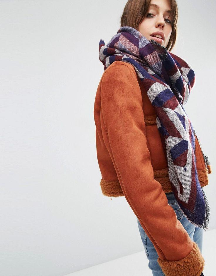 Изображение 1 из Большой квадратный шарф с шевронным узором ASOS