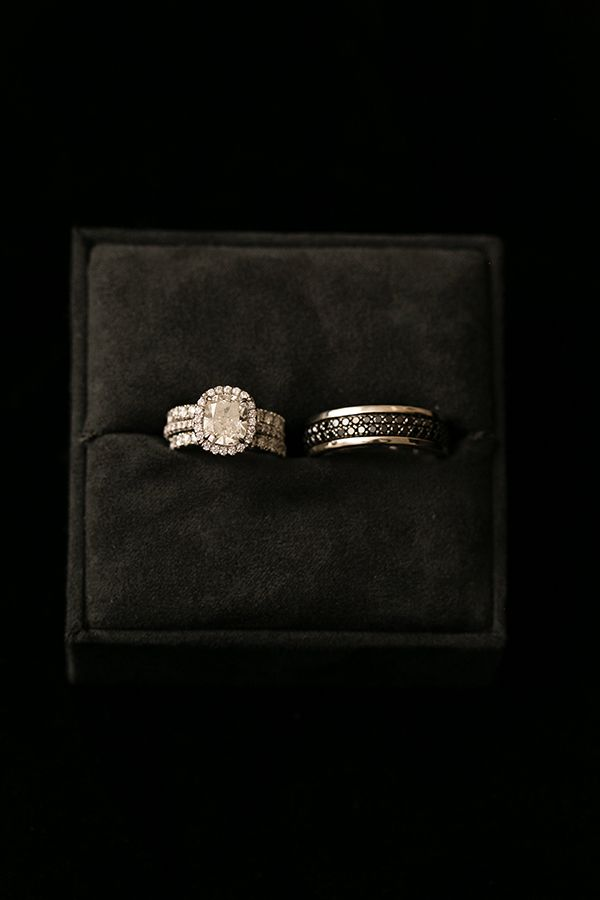Glamorous Chicago Wedding With Hmr Designs Strictly Weddings Beautiful Wedding Rings Diamonds Wedding Rings Engagement Wedding Rings Vintage