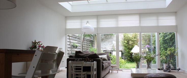 Uitbouw met lichtstraat voor ruime en lichte woonkamer.Let op ...