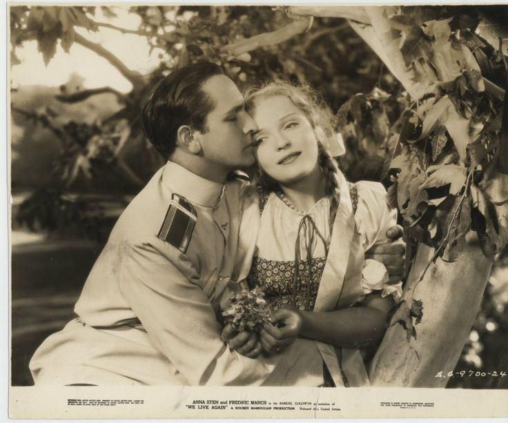 We Live Again (1934) - Fredric March and Anna Sten i