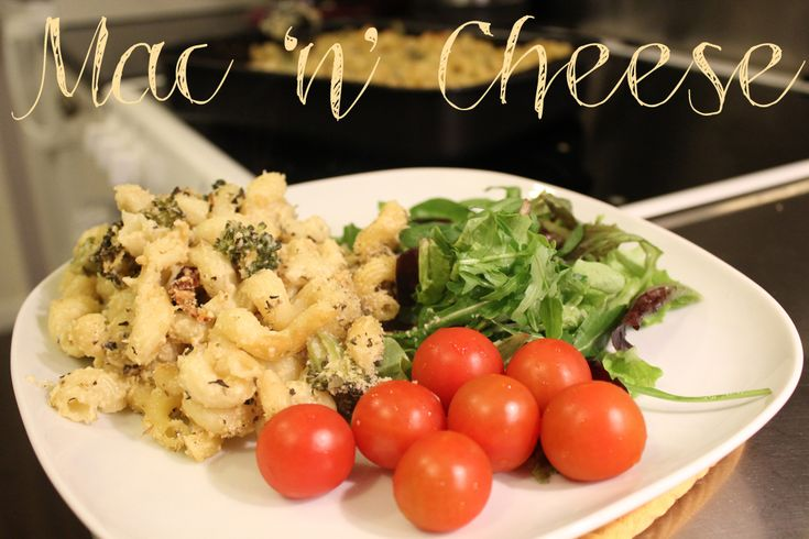 Vegan macaroni and cheese. mac 'n' cheese. Cashew cheese.