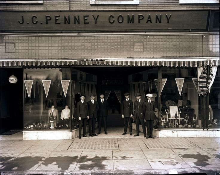 Penney Porterville Ca 1921 S J On Main St Circa The Window Displays Have Women Clothing Left And Men