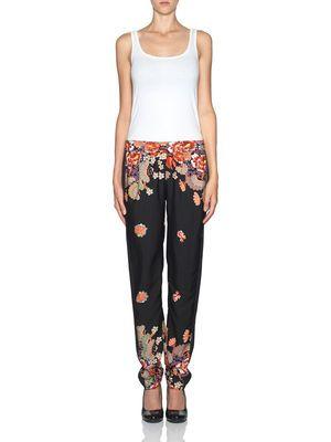 Oui aux pantalons orientaux. We love the oriental pant. #veromoda #placemtltrust