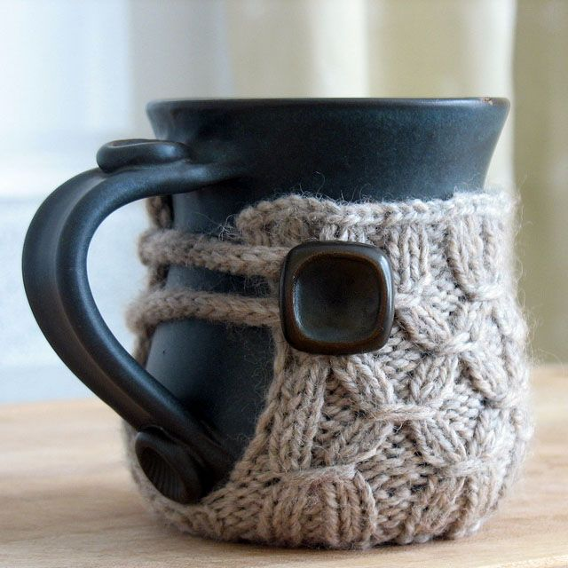Cute Hot Chocolate Mug cover for winter. I am careful about my mug cozies, because I like it when there's a built-in coaster and the top edge doesn't come all the way up to the lip.