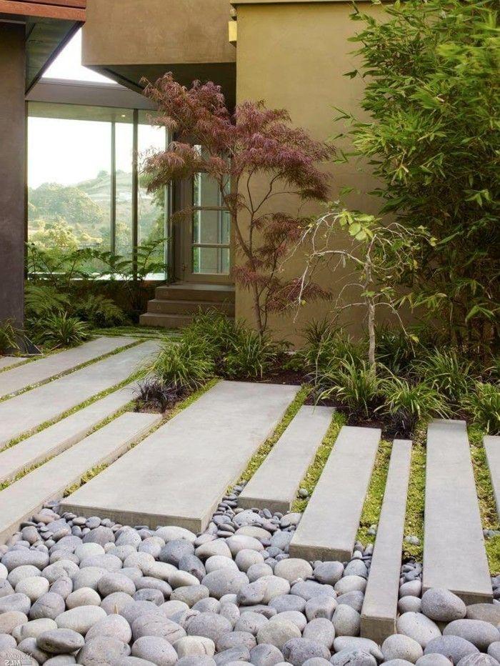 Gartengestaltung ideen sch ner gartenweg mit steinen und for Inspiration gartengestaltung