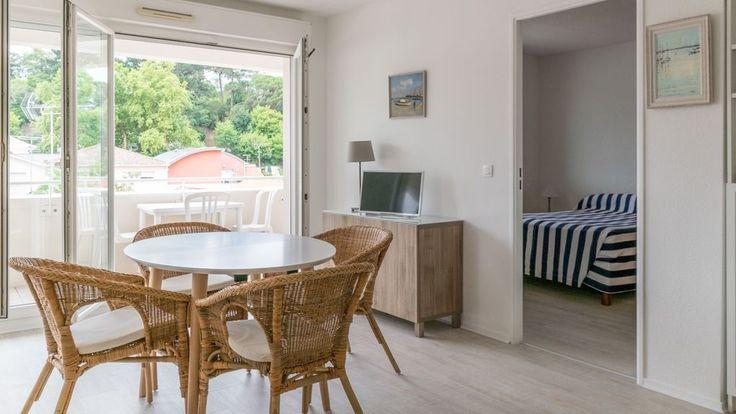 Location vacances appartement Arcachon: L'appartement est lumineux et spacieux, calme, avec une exposition Sud