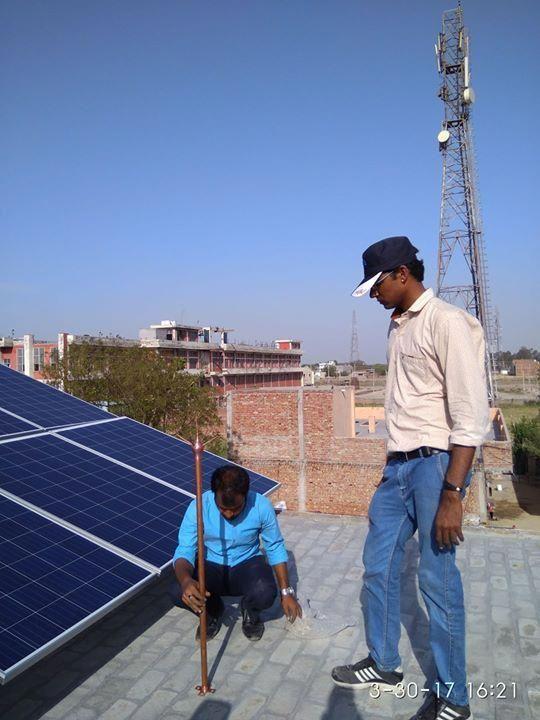Vipin Ashodhiya Owner Of Rise Enterprise Solar Energy Solutions Inspecting And Supervising Installation Of 2 Kw Solar Solar Energy Solutions Solar Panels Solar
