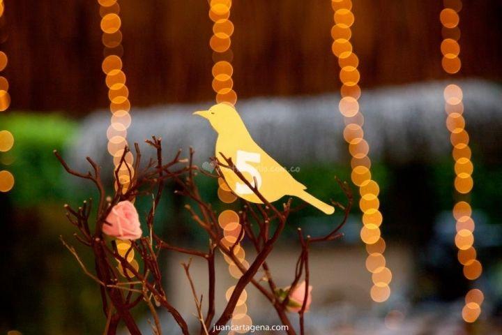 Flores de Abril - http://www.matrimonio.com.co/arreglos-para-bodas/flores-de-abril--e105396/fotos/14