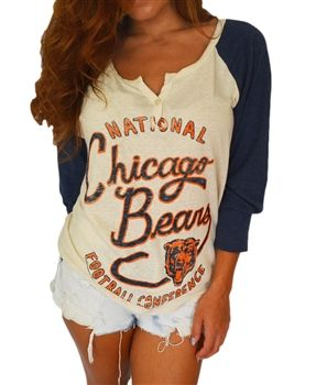 Chicago Bears vintage, raglan  A Bears T makes you look even sexier