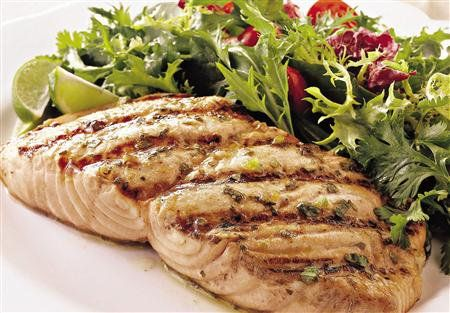 Esta receta es de un delicioso platillo de filetes de tilapia light. Disfruta de este exquisito platillo, con deliciosos sabores y siempre manteniendo la dieta.