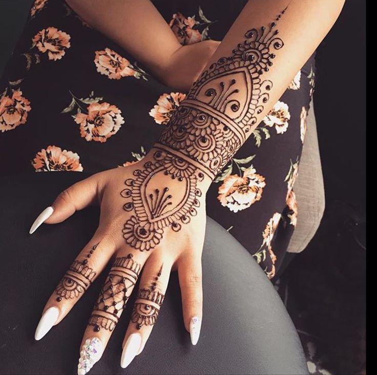 Les 25 meilleures id es de la cat gorie motifs au henn - Modele de henna ...