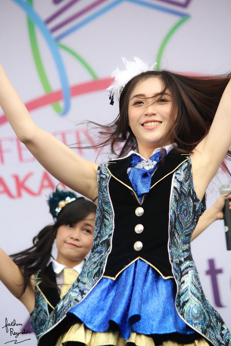 Shinta Naomi   JKT48 Team KIII at Jakarta Marathon 2014 (26-…   Flickr