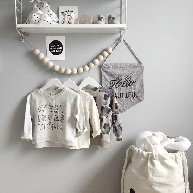Klädförvaring träkulor – Caroline SLotte – Husligheter
