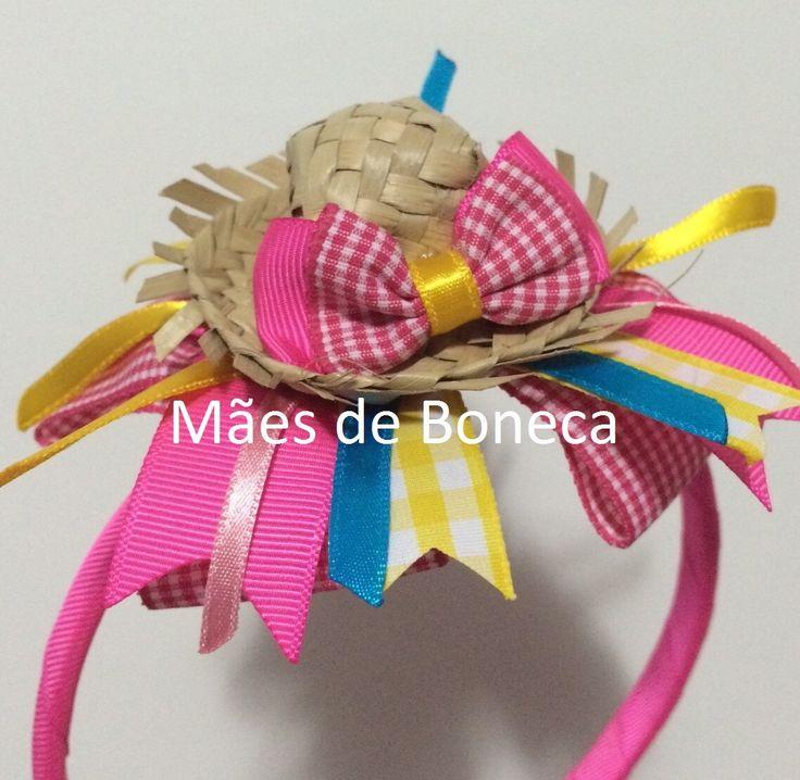 Tiara com laço modelo Chiquinha (chapeuzinho de palha e fitas) Usamos o arco com dentinho e parcialmente coberto    Tamanho do Arco: aproximadamente 38,5cm  Tamanho do Laço: aproximadamente 11cm    Consultar outras cores disponíveis!