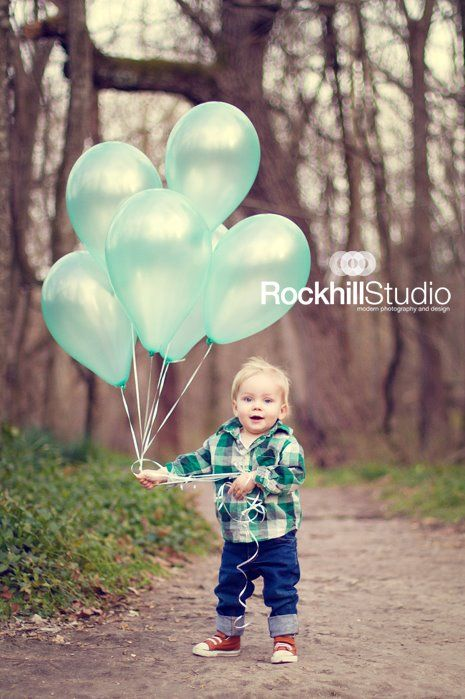 Adorable Toddler Photo Idea. Did This For Troy's 18 Months Photos and I Still Love To Do This Again! TOO CUTE