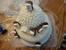The DomestChick: M'Cakes - Marshmellow Penguin Igloo