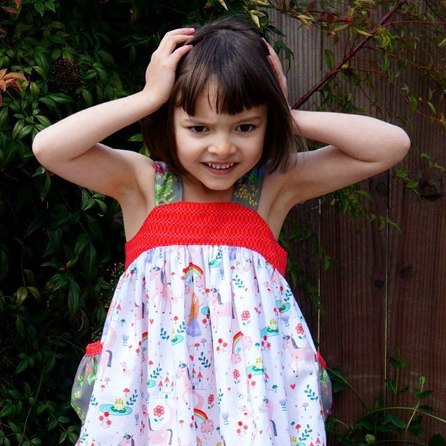 When you've twirled one too many times in your #lemondrop #sewingtutorial #linkinbio #frenchseams #rileyblakedesigns #princessdreams #unicorns#rainbows #birthdaydress #tiedyediva