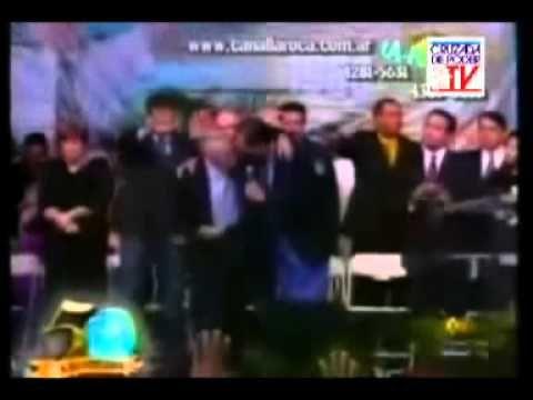 FUNERAL DEL HNO YIYE AVILA, 30/06/2013 YIYE ES SEPULTADO - YouTube