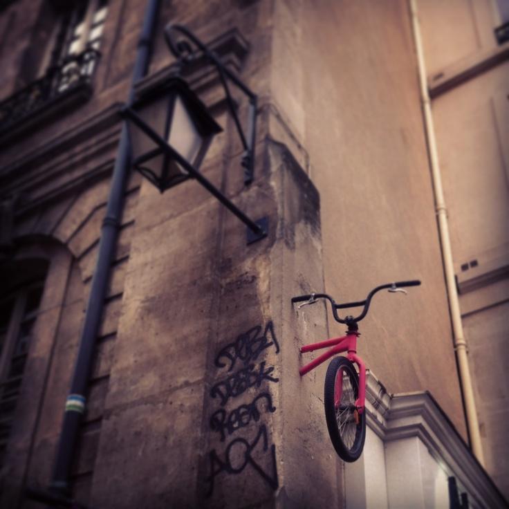 Hors les murs #streetart #paris ©RR