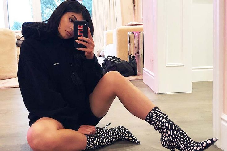 Kylie Jenner's shedding her child weight super quick and it's not because of the reason you may think it is. Get EXCLUSIVE points of interest.