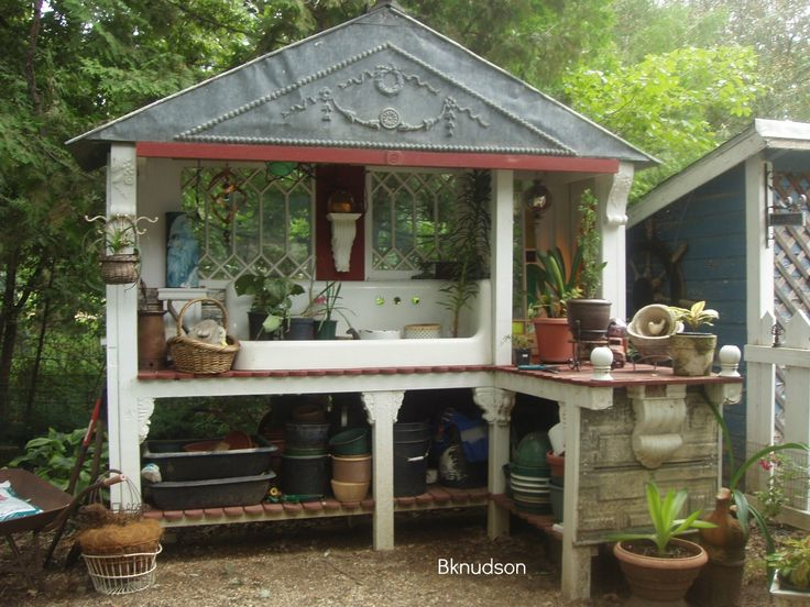 potting bench with sink | Don't you just love this potting bench with the big old sink.