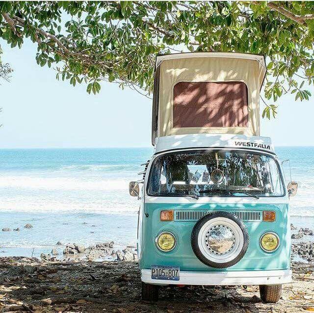 Westfalia kampeerbusje op een idyllische plaats...
