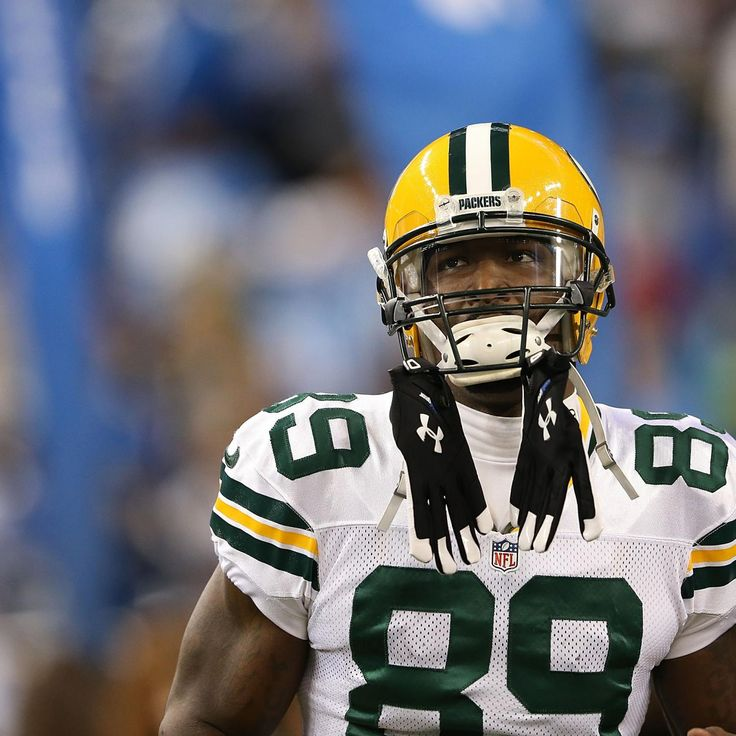 James Jones and the  Green Bay Packers  have reunited as the two sides agreed on a one-year deal on Sunday...