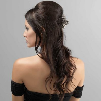 I really want to try this down hairstyle for prom.