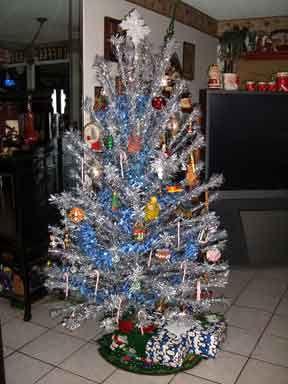 367 Best Aluminum Christmas Trees Images On Pinterest