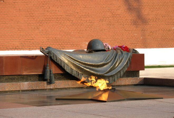 Moscow, Russia - Tomb of the Unknown Soldier. Вечный огонь. Памятник неизвестному солдату