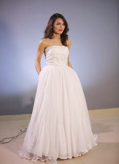 pArtY wear whiTe coloUr gown.. :) lace net fabric  light weighted.... !!