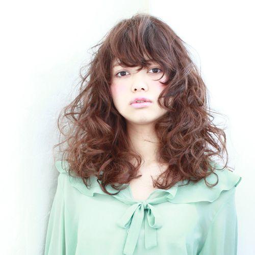 髪型/ヘアスタイル/Hairstyle/ちょっと強めのウエーブスタイルがオススメです。可愛くも、かっこ良くもなりますよ。