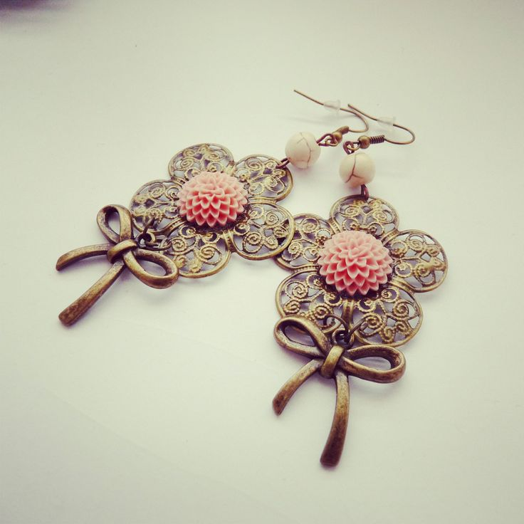 handmade vintage astra earring, oldpink flowers with bow BY SHARYS