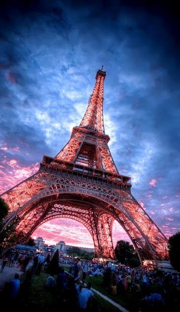 La torre Eiffel (tour Eiffel, en francés)