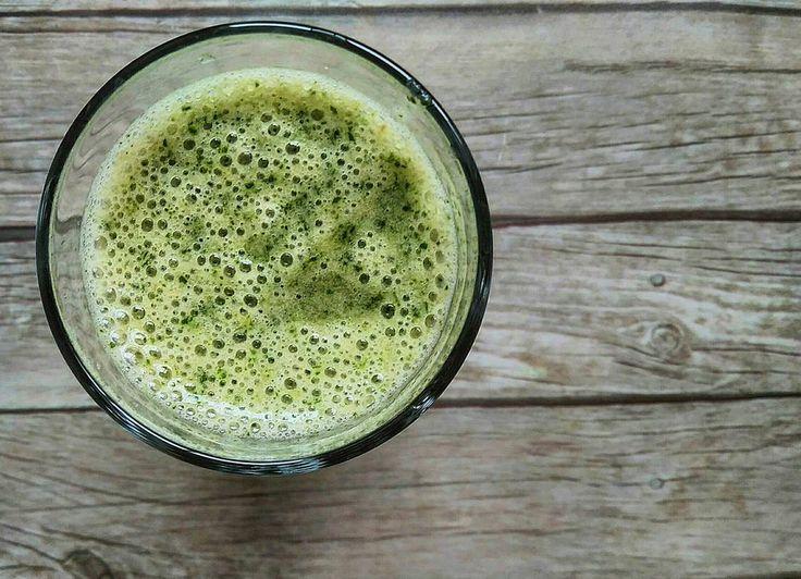 61 отметок «Нравится», 2 комментариев — СЕМЬЯ ❤ ДЕТИ 🎠 РЕЦЕПТЫ 🍰 (@nadyachizhova) в Instagram: «Доброе зеленое 🌱🌱🌱 Я становлюсь фанатом #смузи 😋😋😋 сегодня у меня банан🍌, шпинат 🌱 и вода 🍶…»