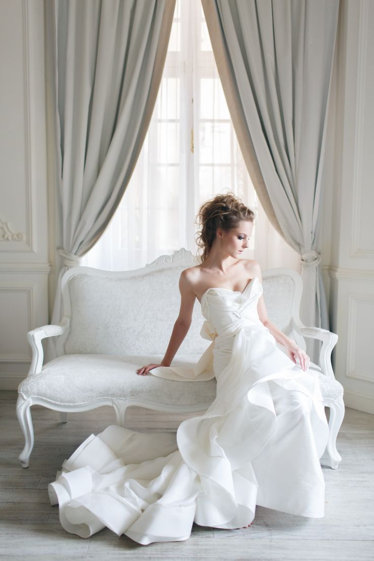 Moonlight gown from Vivian Luk's White Collection #vivianluk #vivianlukatelier #white #bridal