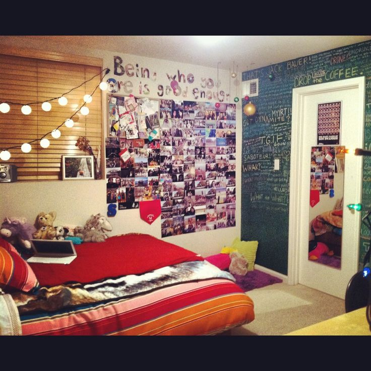 17 best images about room ideas on pinterest hipster for Bedroom chalkboard paint ideas