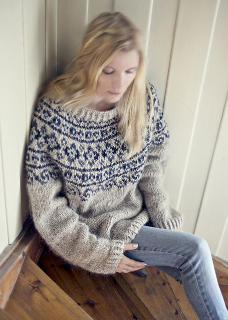 Free knitting pattern - Norwegian Lopapeysa Sweater pattern by Katrine Hammer
