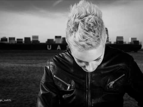 Let's Hurt Tonight - Camilla Avvenente