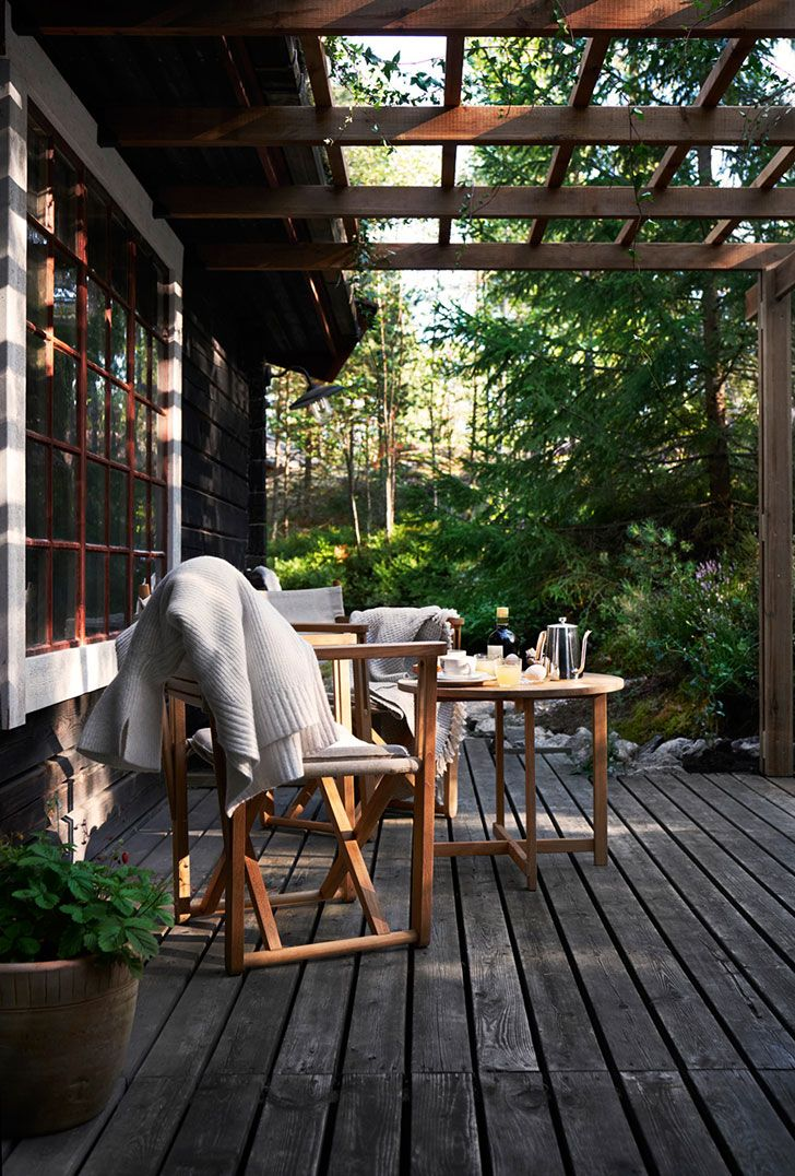 Stylish Scandinavian cottage in the woods